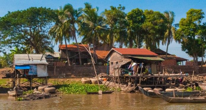 The banks of the Tonle Sap, Kampong Chhnang