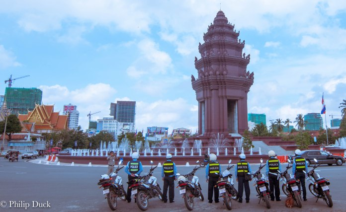 Independence Monument , Phnom Penh